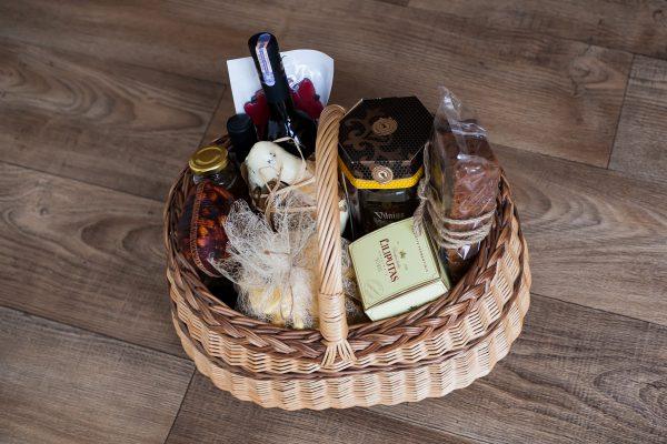 Maisto dovanų rinkiniai Kalėdoms, Kalėdinis dovanų krepšys