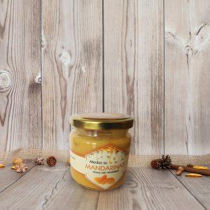 Medus su mandarinais dovanų rinkiniams