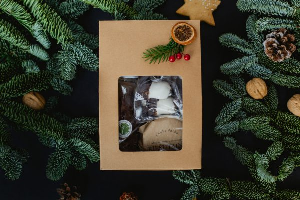 Kalėdinė dovana su saldumynais