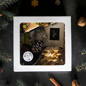 Kalėdinių dovanų dėžutė